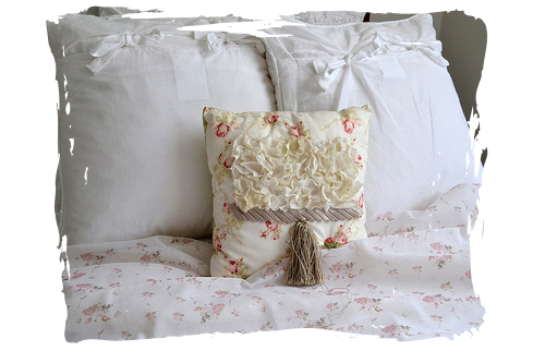 Shabby Chic Bed Pillows : French Script Fabrics: Shabby Chic Inspiration