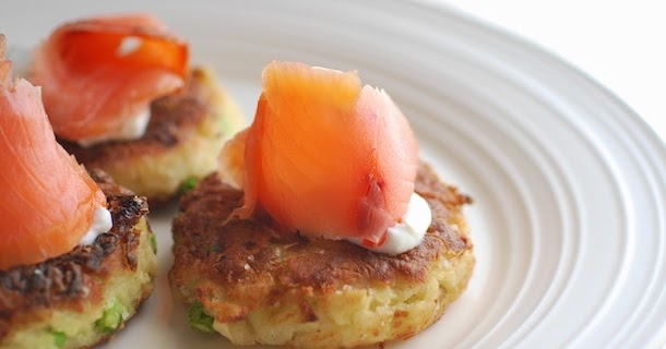 Colcannon Cakes with Smoked Salmon (Fried Mashed Potato Cakes ...