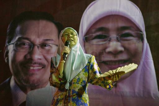 UMNO HYPOCRISY OF ONE MALAY RACIST IN KAJANG !!