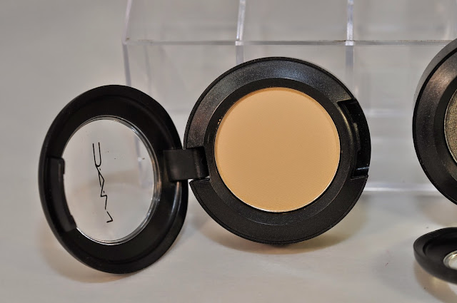 MAC Butterscotch eye shadow