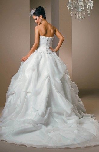 Cheerleaders and sport girls wedding dress and bridal gowns for Cute white wedding dresses