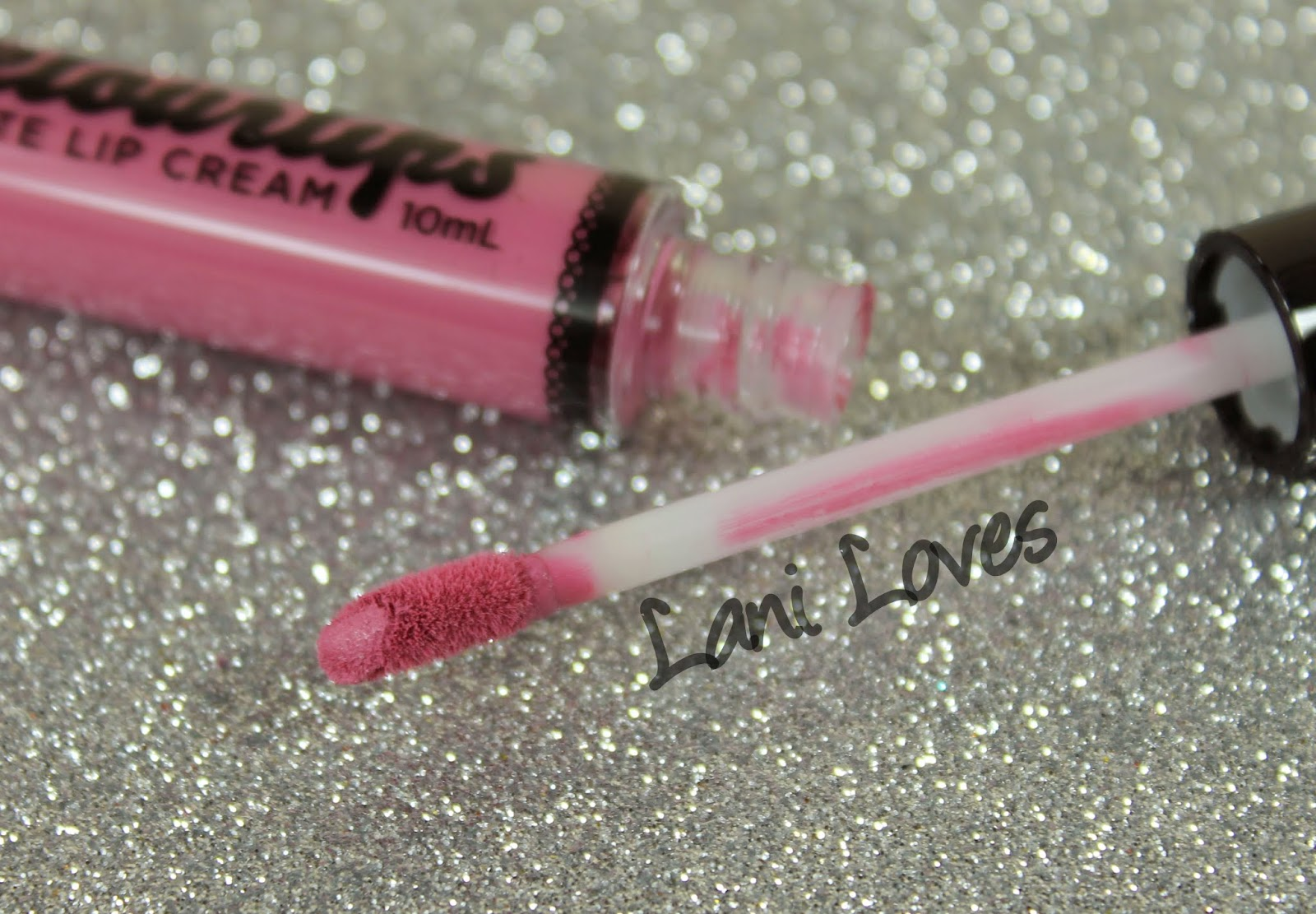 Australis Velourlips Matte Lip Cream - LUN-DUN Swatches & Review