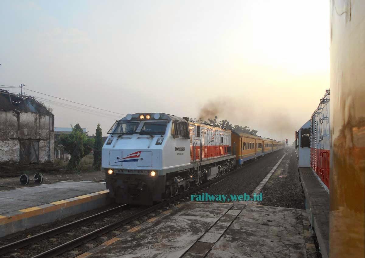 Kereta Api Pasundan Lebaran