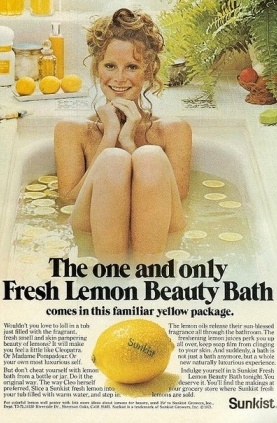 Fresh lemon beauty bath
