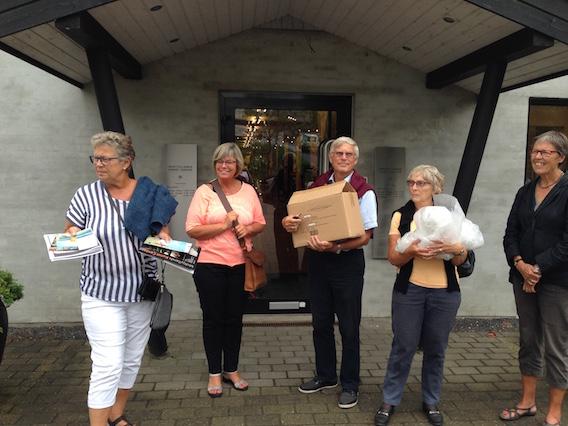 Bestyrelsesmedlemmer med indkøbt kunst fra Midtjyllands Kunst Center