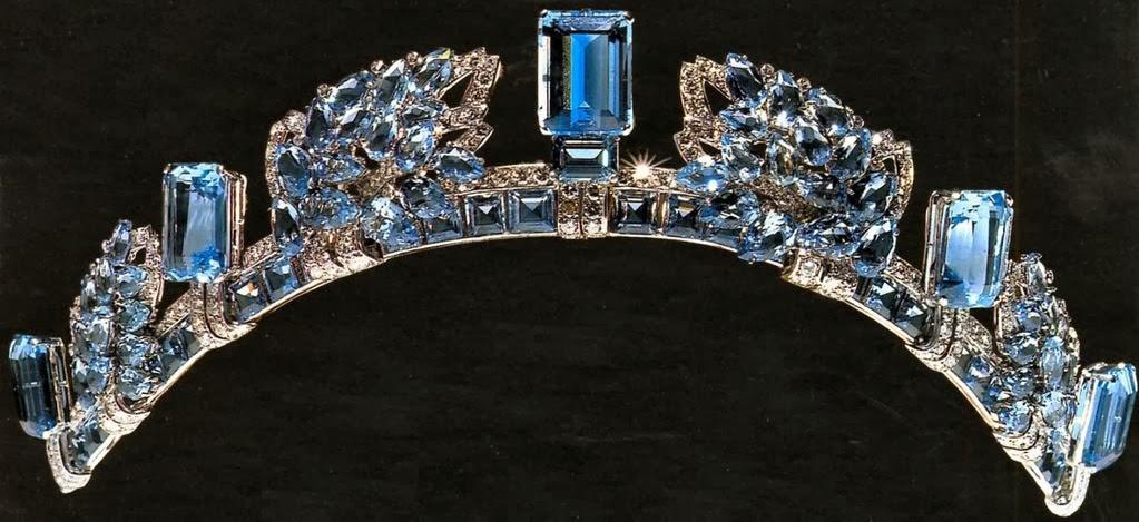 تيجان ملكية  امبراطورية فاخرة Aquamarine+Pineflower+Tiara+()+by+Cartier+for+Queen+Elizabeth,+the+Queen+Mother+now+Princess+Anne+1