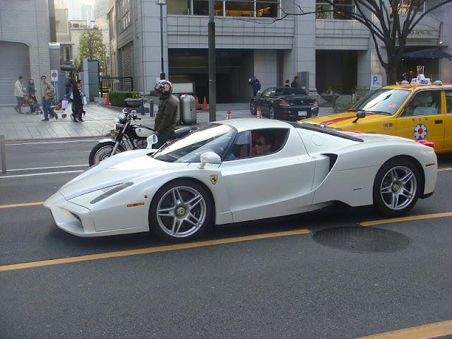 Gambar Mobil Sport Ferrari Enzo 09