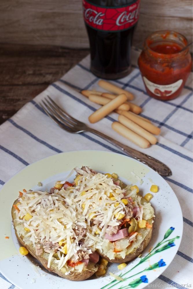 Patatas asadas con salsa brava rosara