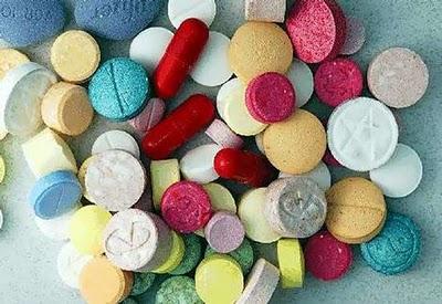 ecstasy-744997.jpg (400×275)