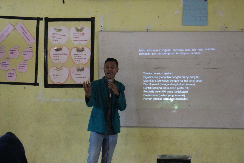 Mahasiswa KKN P240 Bersama Komtikcobar Menggelar Pelatihan Jurnalistik Dasa