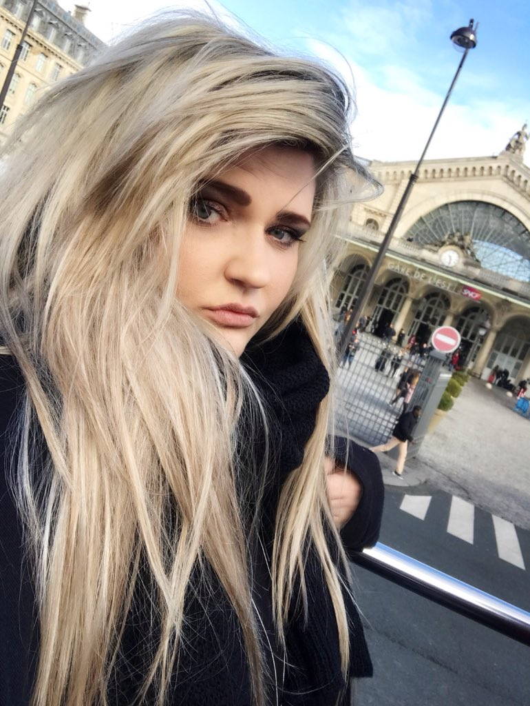 Karis Amber Cerise Page