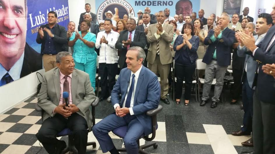 VillaSombrero.com: Abinader pide a Danilo que �se faje a gobernar ...