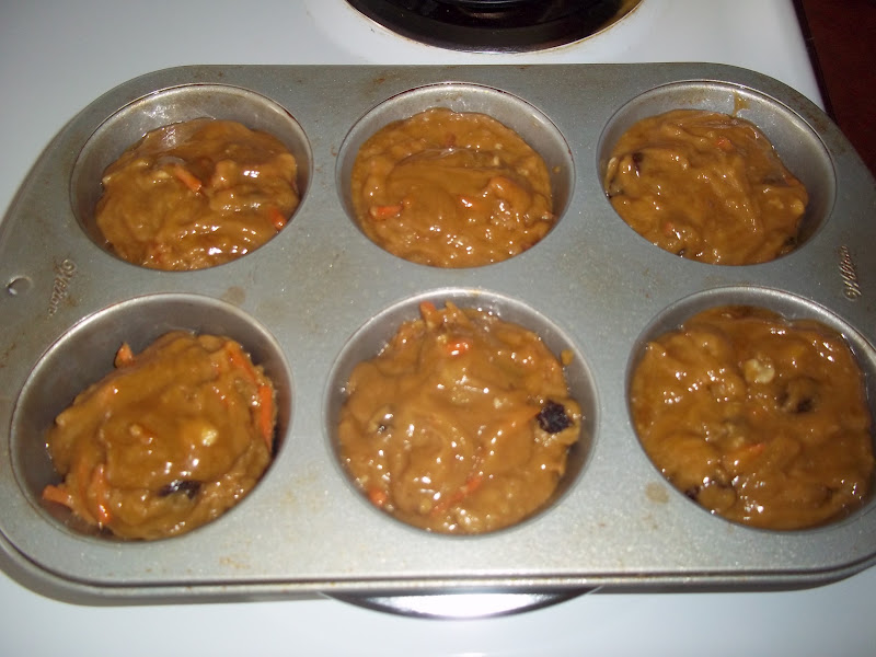 The Daily Smash Mimi S Cafe Carrot Raisin Nut Muffins