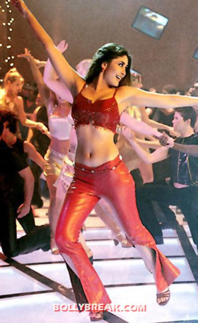 Kareena Kapoor in Kabhi Khushi Khabhi Gham - (13) - Kareena Kapoor in RED Dresses