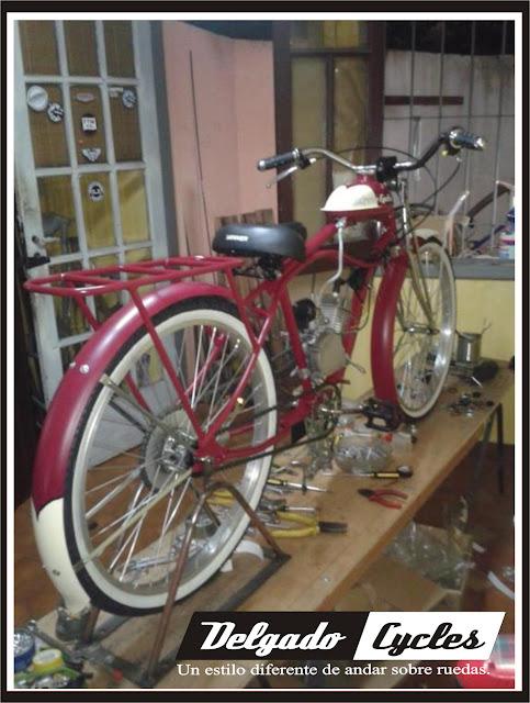 Bicimoto vintage retro con motor