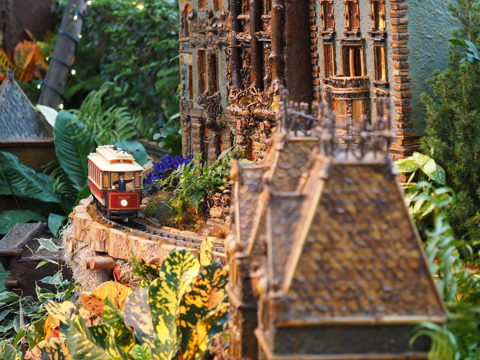 New york botanical garden holiday train show ni hao new york Botanical garden train show
