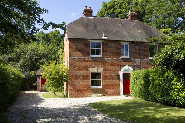 Kate Middleton 39 S Childhood Home Sold At Auction News Funtuna