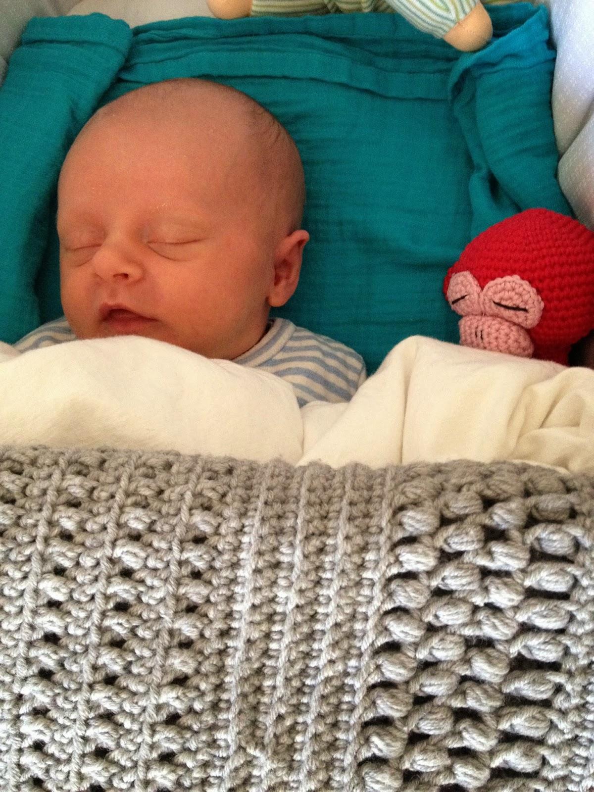 Hæklet babytæppe. Gratis mønster. Crocheted baby blanket with free pattern. Hæklet amigurumi abe.