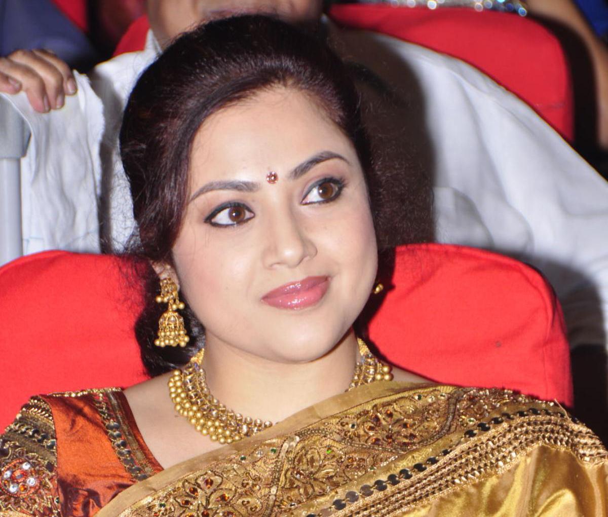 Meena Net Worth