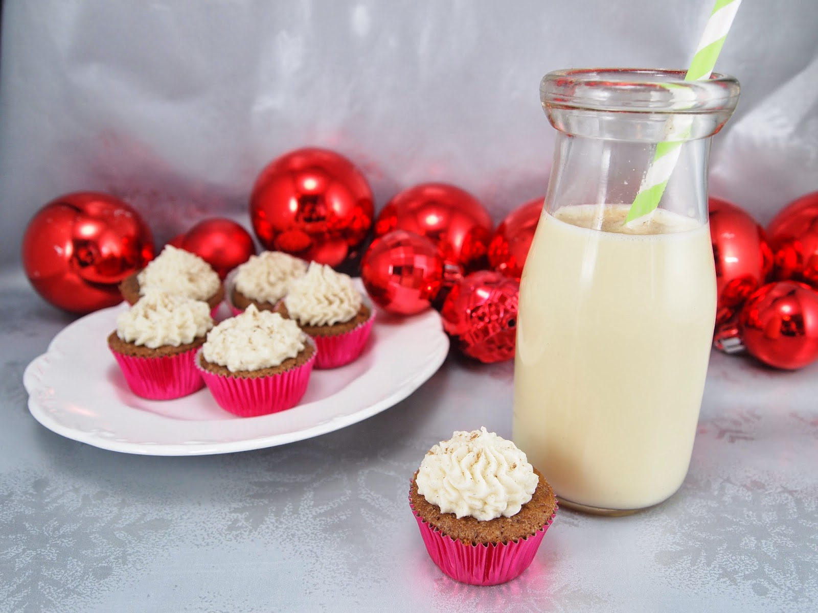gingerbread cupcakes with egg nog frosting