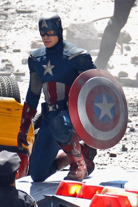 Captain America New Costume Photos !