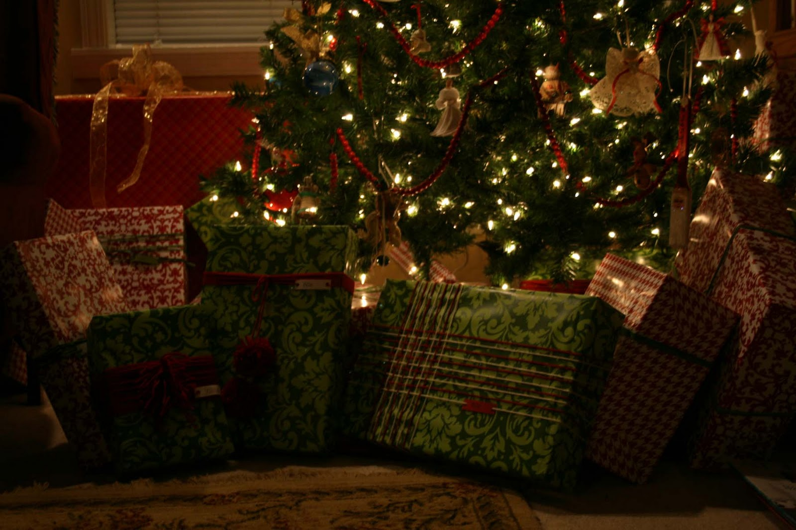 Christmas Tree With Packages