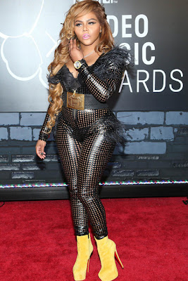 Lil Kim en la gala de los MTV Video Music Awards 2013