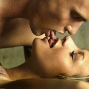 tounge to tounge kissing