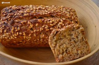 Bread and crumb view - Brot und Ansicht der Krume