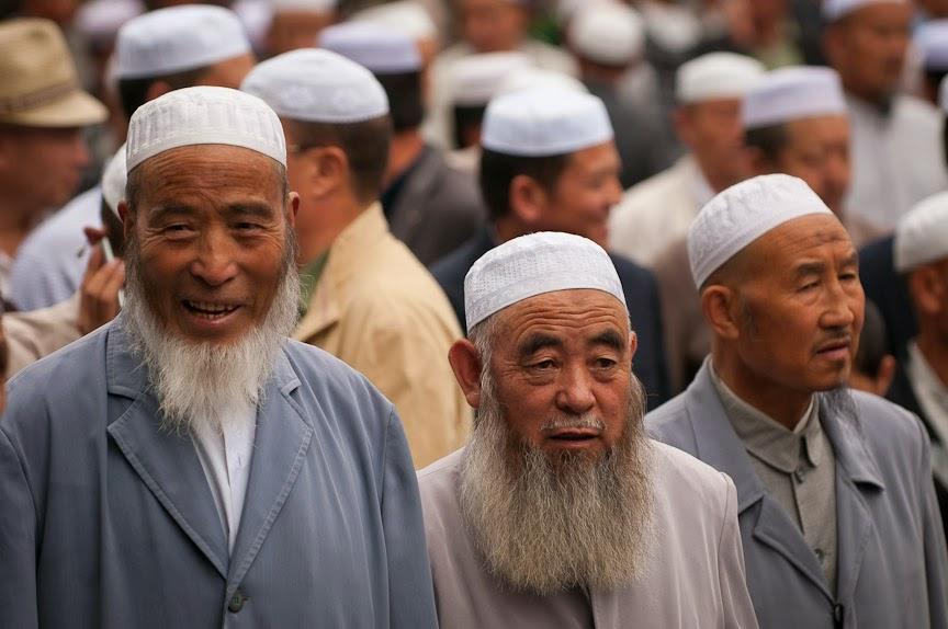 Larang Berpuasa, Pejabat China Tinggal di Rumah Muslim Uighur