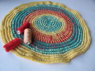 коврик деревенский, коврик своими руками,подстилка своими руками, ковер из трикотажа, коврик из футболок