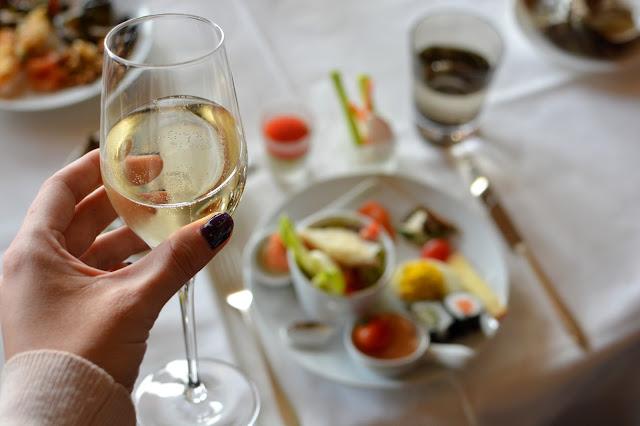 бранч в отеле La Reserve в Женеве. Где пообедать в Женеве?