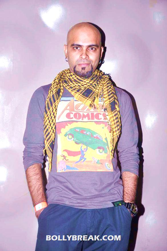 Raghu Ram - (18) - Gul Panag, Mrinalini Sharma and others at Agnee's Bollywood debut gig
