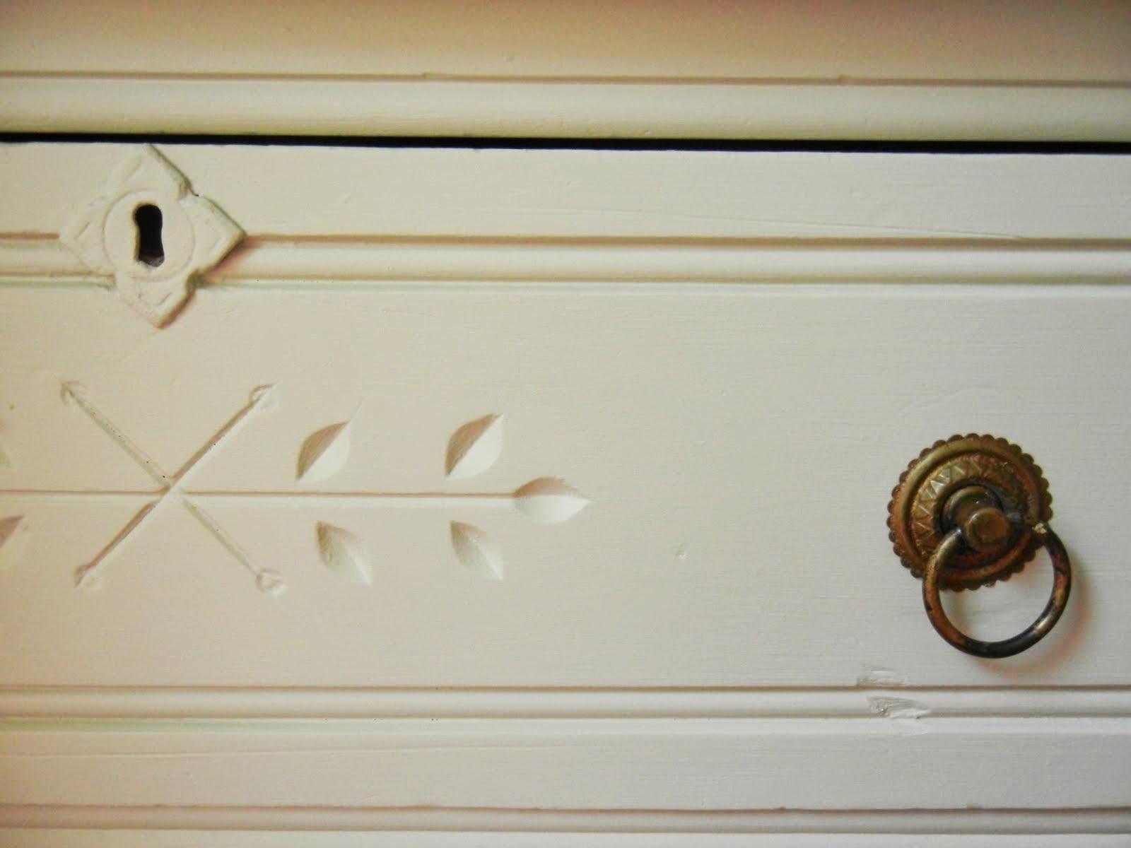 dresser pulls