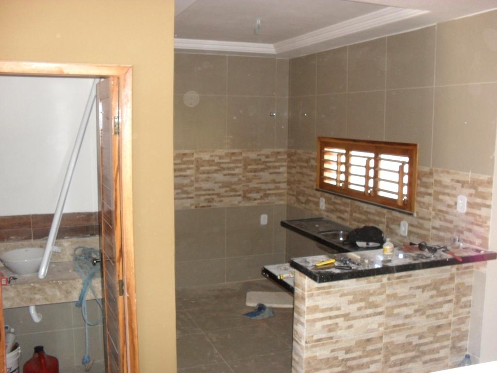 Vista da cozinha americana revestida com o mesmo Porcelanato Polido do  #976C34 1024 768