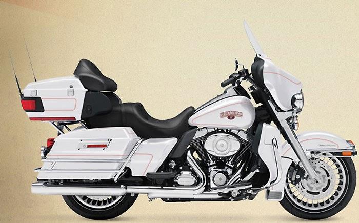 Harley-Davidson FLHX Street Glide Bikes Wallpapers