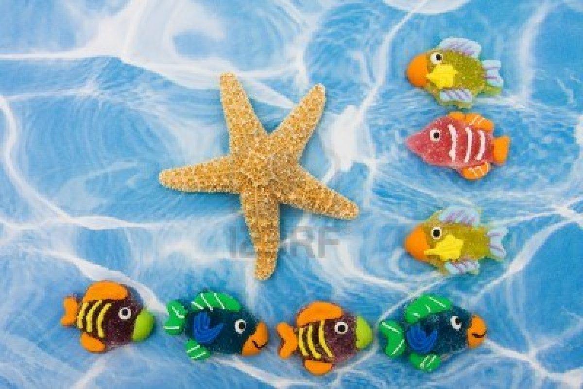 Descargar fondo pantalla gratis acuario peces movimiento for Peces de acuario