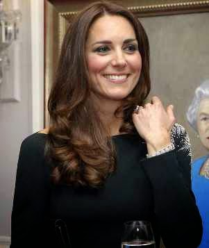 Kate Dazzles in Pretty New Zealand Designer Dress