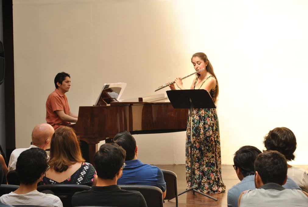 Casa haas vive un concierto dominical de piano y flauta for Casa piscitelli musica clasica
