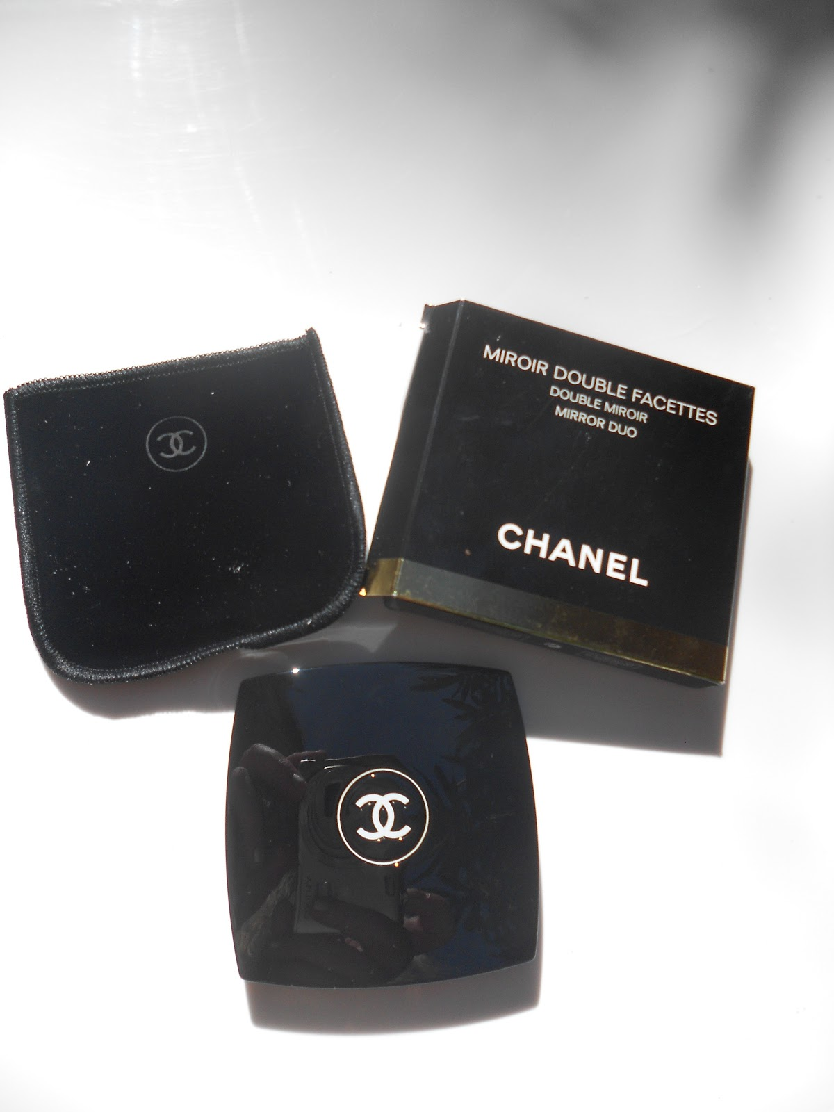 Beauty made fun review chanel miroir double facettes for Miroir review