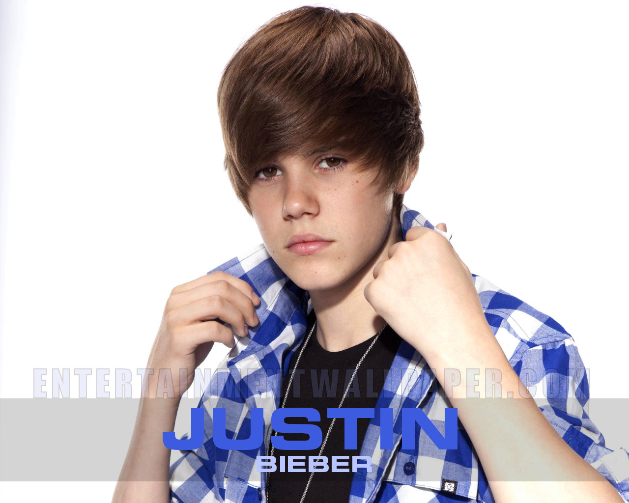 http://3.bp.blogspot.com/-AcRE0VR0gfk/TedZHKgkGSI/AAAAAAAAEtE/7hCkCjebRrI/s1600/Justin+Bieber+-+2+Wallpaper.jpg