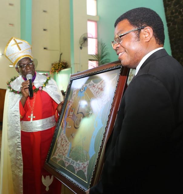 MAJALIWA AHUDHURIA IBADA YA KUMUINGIZA KAZINI MKUU WA KKKT TANZANIA ASKOFU SHOO MJINI MOSHI.