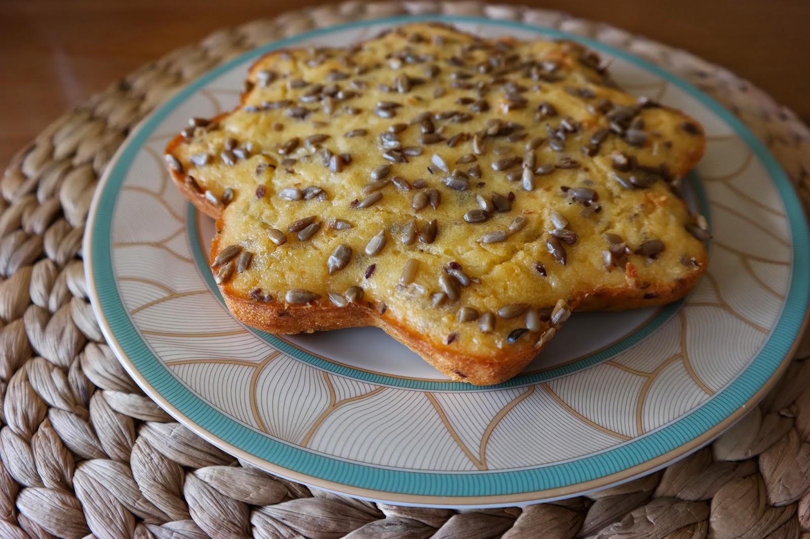 Peynirli İrmikli Kek