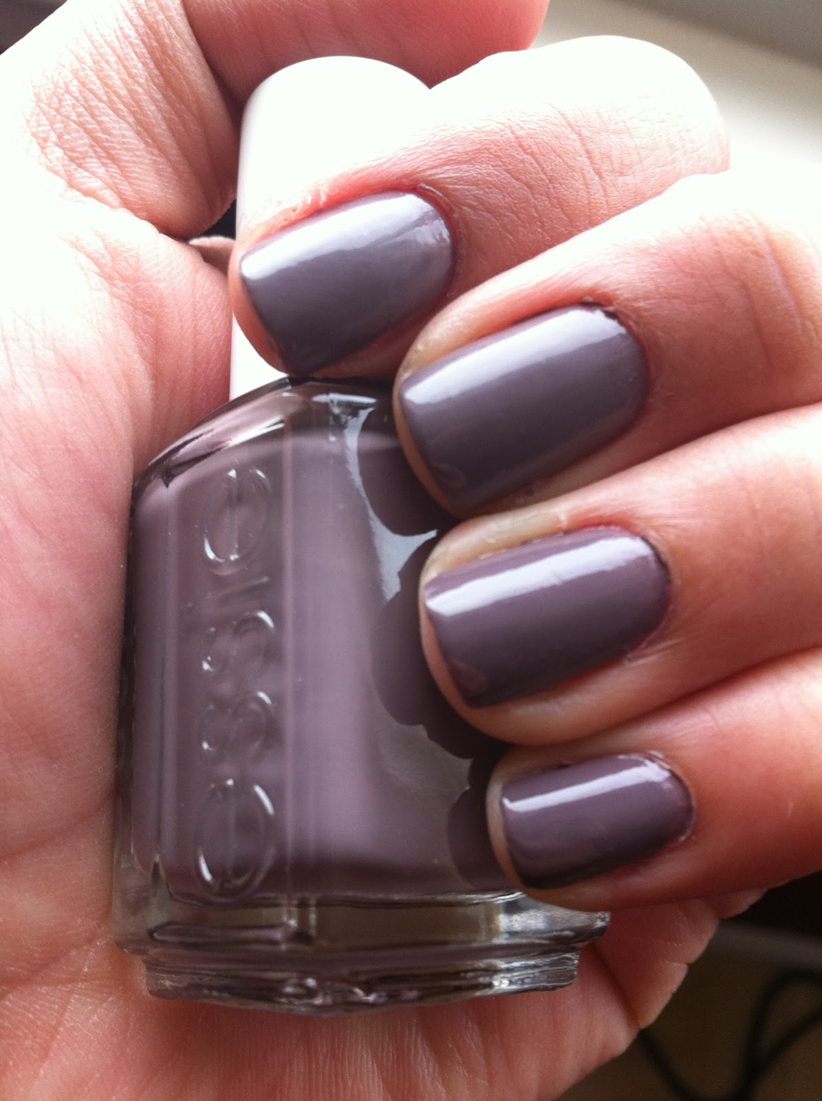 Kim\'s Beauty Blog: Nail Polish Review: Merino Cool by Essie