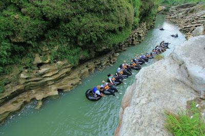 Wisata River Tubing Kali Oya yang Mengasyikkan