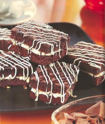 bizcochos de chocolate rellenos