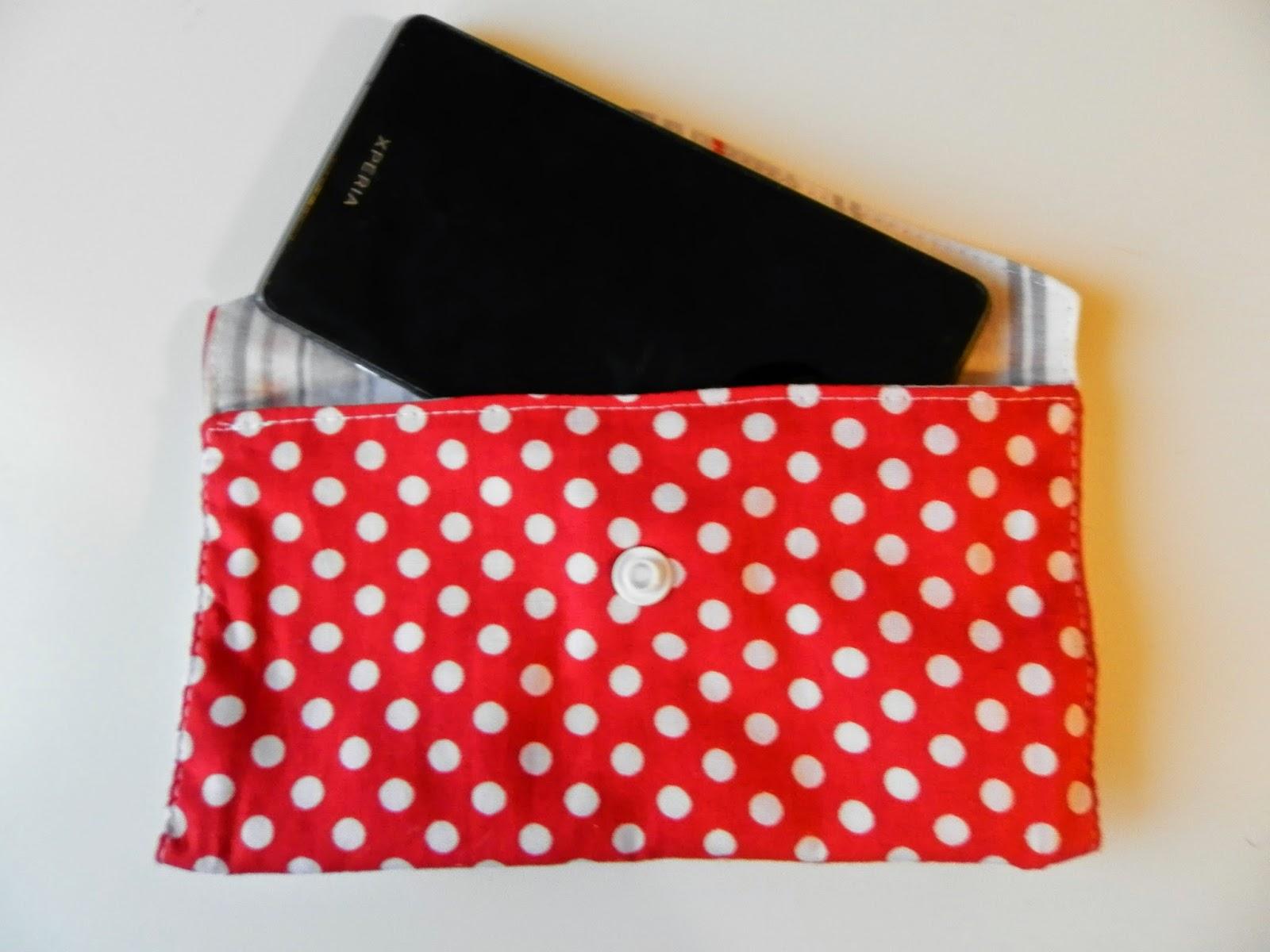 Coton et Création : pochette téléphone portable