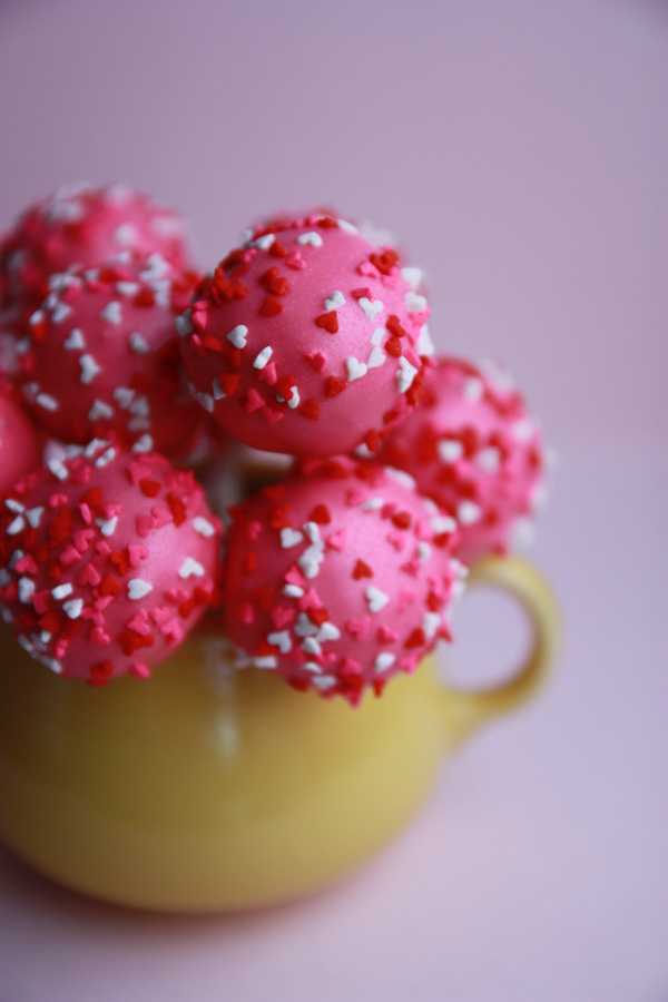 Love and butter valentine cake pops part 2 for Valentine cake recipes with pictures