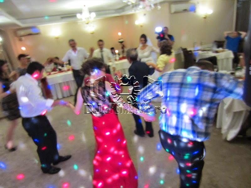 Nunta cu DJlaPetrecere.ro la Casa Banil Rahova - 8