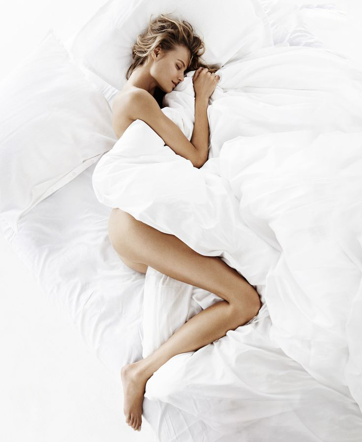 Nutrition tips on how to get better sleep / Magdalena Frackowiak photographed by Giampaolo Sgura for Vogue Paris October 2014 via www.fashionedbylove.co.uk